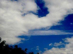 ciel-landivisiau-juin-2012-copy-300x225 blue