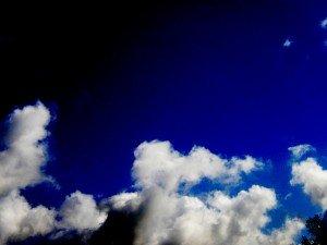 ciel-landivisien-juin-2012-8-copy-300x225 bleu